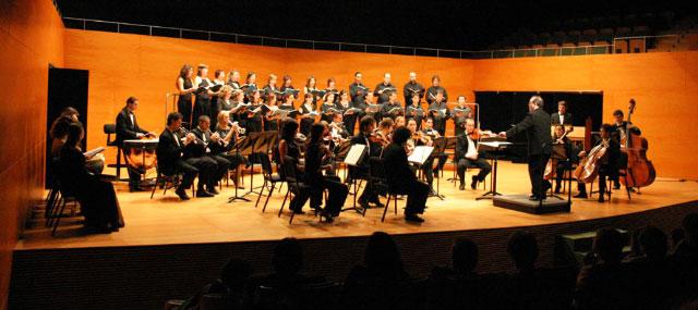 """Concert la OMA i Miquel Pérez: """"Concert per a orquestra i guitarra"""". XI Cicle de Música de Primavera -Benitatxell"""